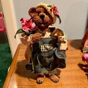 "Boyds Bears ""Iris Crumpleton"" - QVC Exclusive"